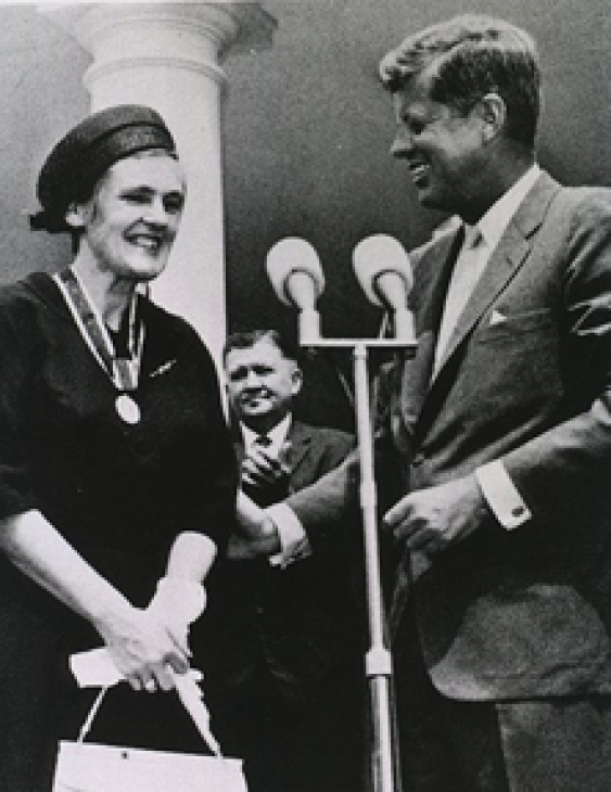 Frances Kelsey Meets JFK